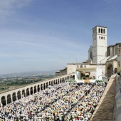 PAPA:ASSISI;BASTA GUERRA E SANGUE IN TERRASANTA E IRAQ